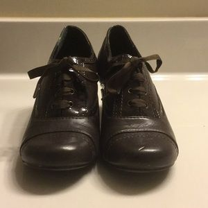 Mudd brown oxford low heel shoes SZ8M